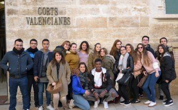 Los alumnos de 1º de Gestión Administrativa visitan Les Corts Valencianes