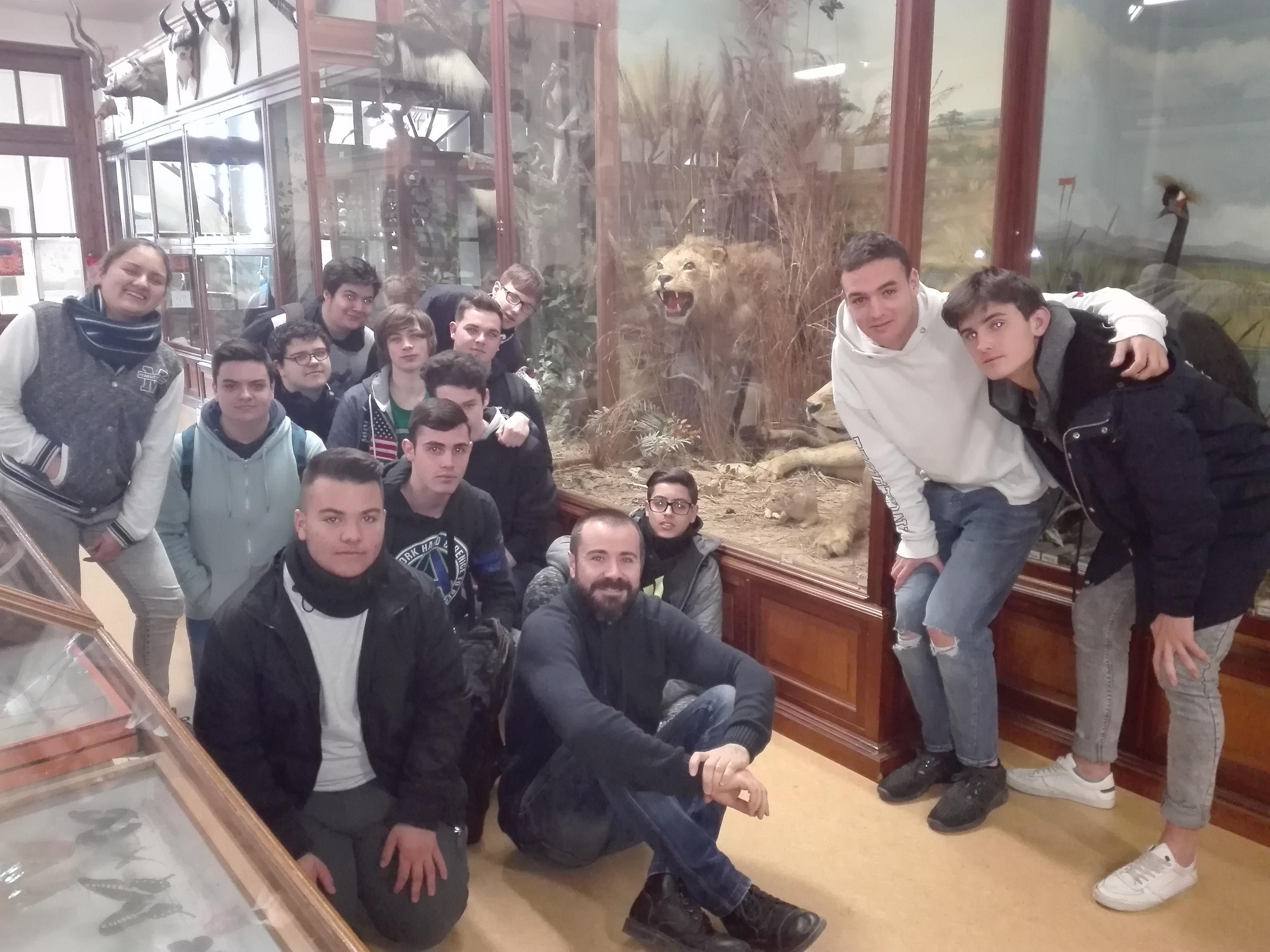 Visita de los alumnos de FP Básica al Museo de Ciencias Naturales del Colegio La Salle