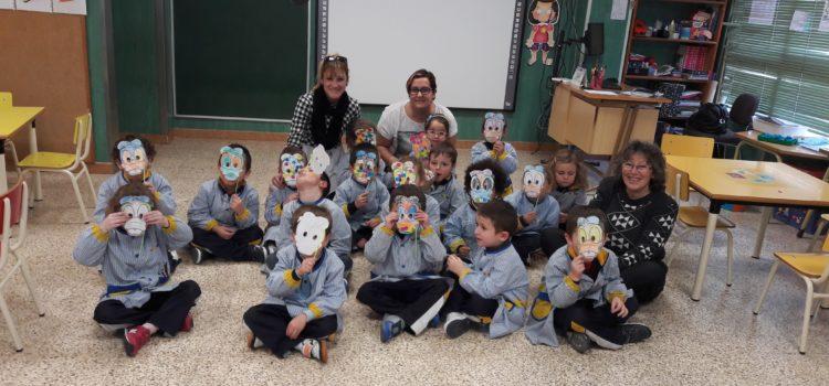 Alumnos de la Escuela Infantil disfrutan del cuento 'El Patito Feo'