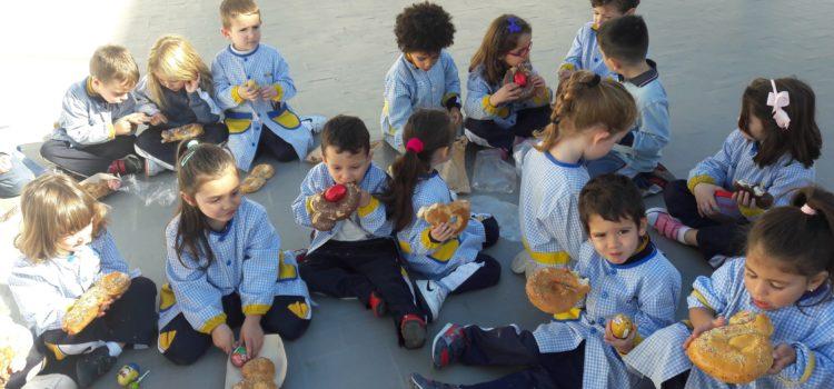 Almuerzo pascuero en la Escuela Infantil