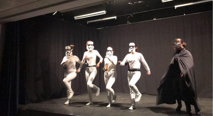 Alumnos de 4º de ESO representan obras teatrales en la Escuela Profesional