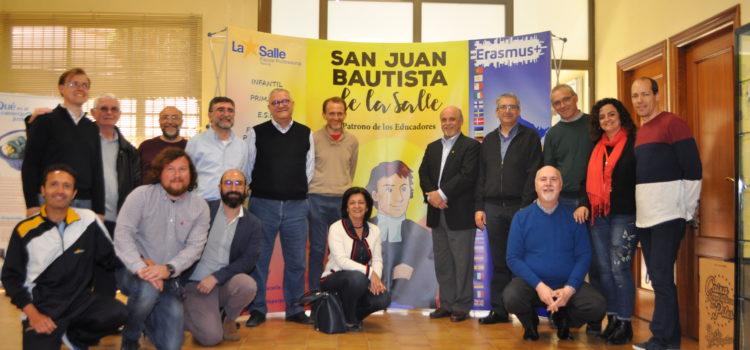 El Hermano Robert Schieler visita la Escuela Profesional La Salle