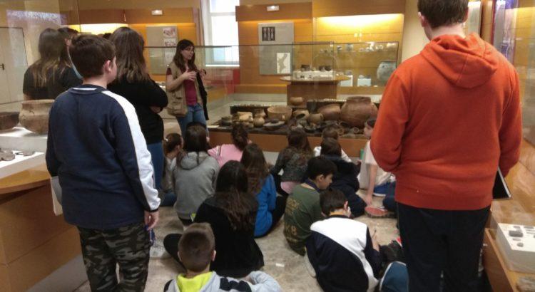 Alumnos de 1º de ESO visitan el Museo de Prehistoria