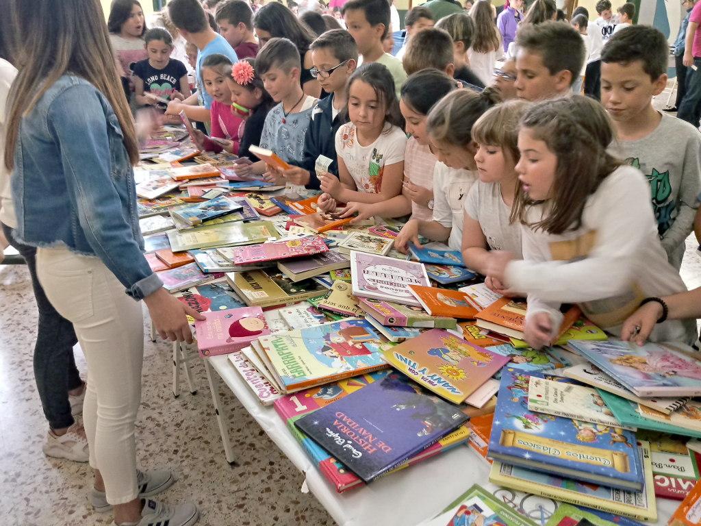 Feria Solidaria del Libro en la Escuela Profesional La Salle