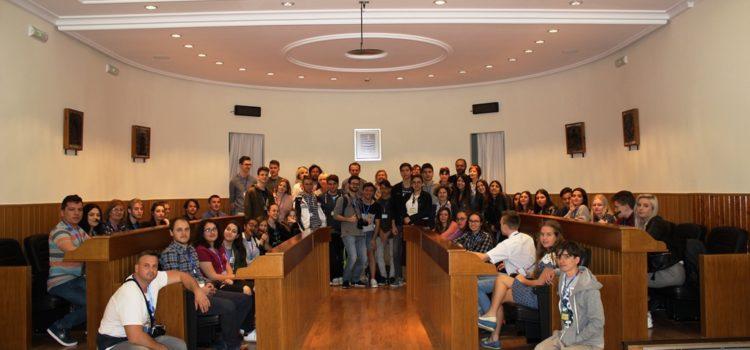 Recepción a profesores y estudiantes Erasmus + en el Ayuntamiento de Paterna