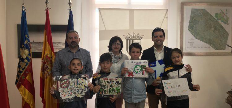 Alumnos de Primaria comparten con el alcalde de Paterna sus propuestas de mejora para el Parque de Alborgí