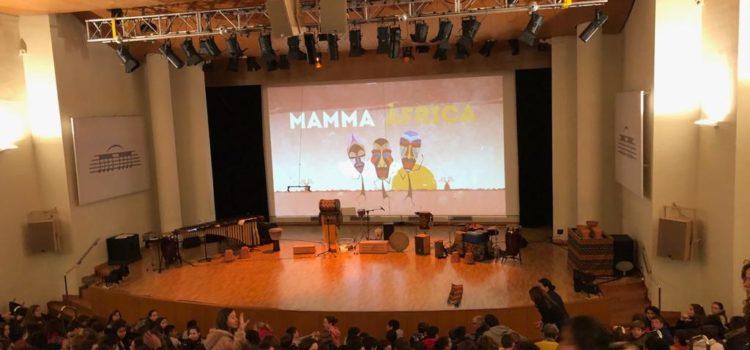 Alumnos de 4º de ESO disfrutan del concierto pedagógico Mamma África