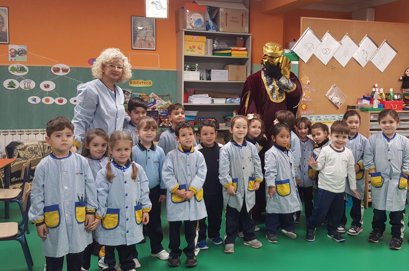Visita del Paje Real a la Escuela Infantil Desamparados