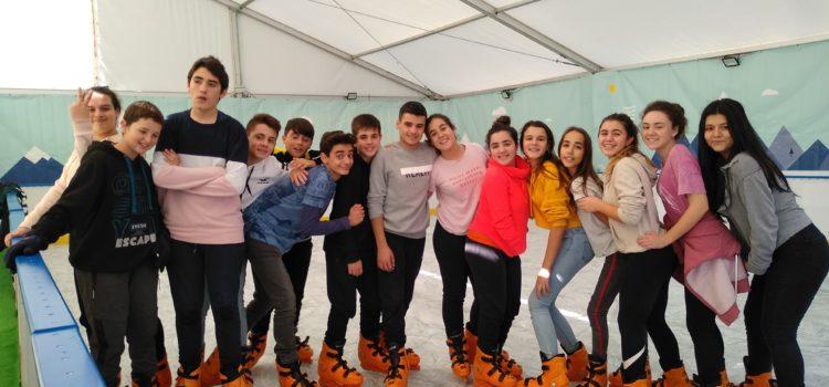 Alumnos de 2º de ESO B realiza patinaje sobre hielo como premio al termómetro