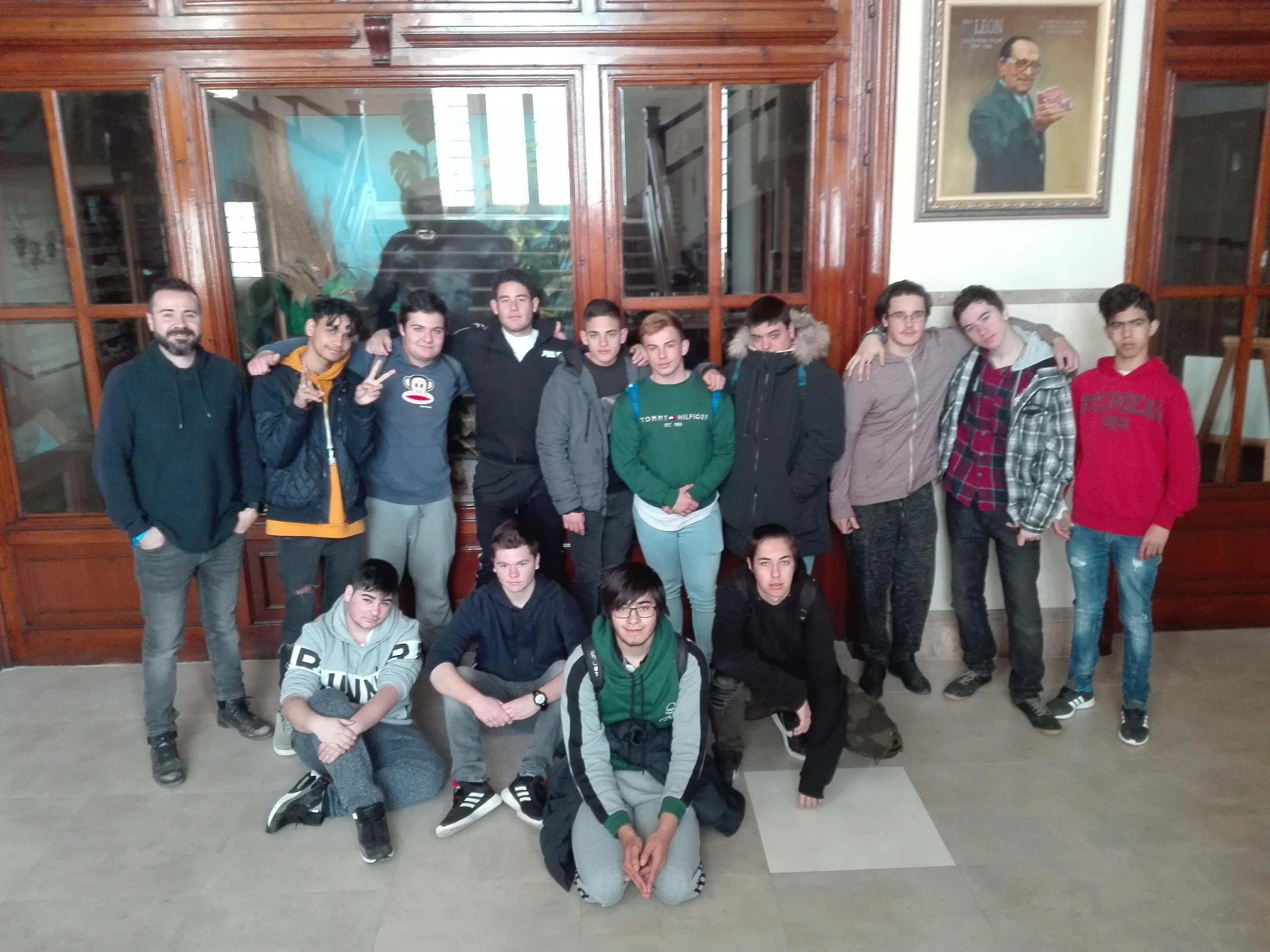 Visita al Museo de Ciencias Naturales del Colegio La Salle