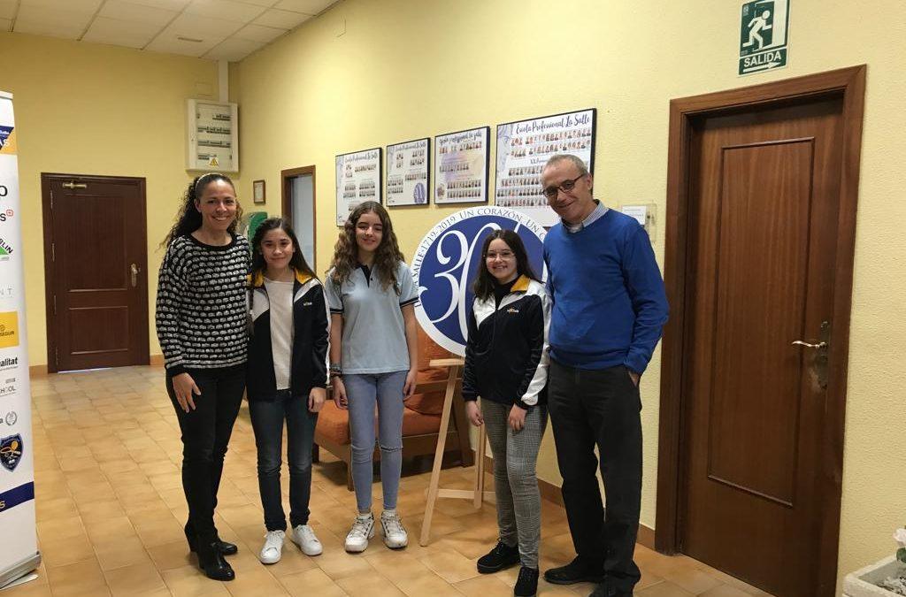 Tres alumnas de la Escuela reciben el premio extraordinario de Primaria