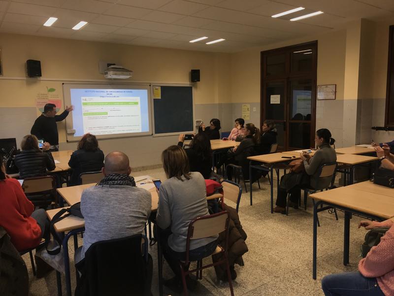 La Escuela de familias acoge una charla de Redes Sociales y Ciberacoso