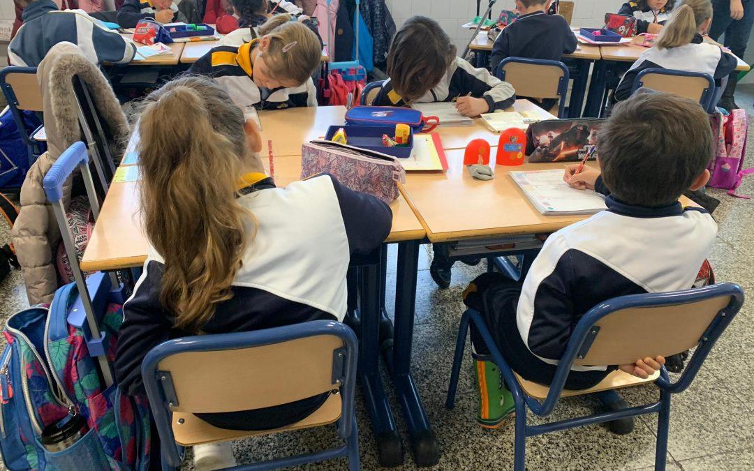 Los alumnos de infantil y primaria realizan actividades de sensibilización en el Día Internacional de la Discapacidad