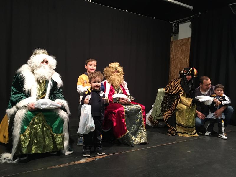 Los Reyes Magos visitan la Escuela