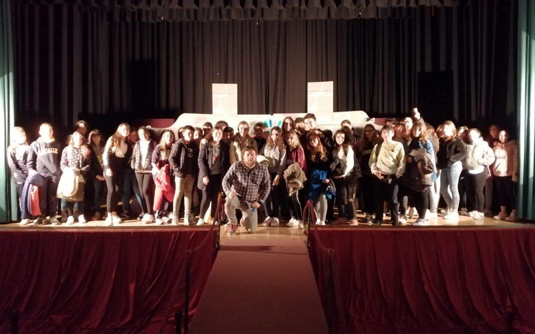 Los alumnos de francés asisten a la representación teatral «Notre Dame de Paris»