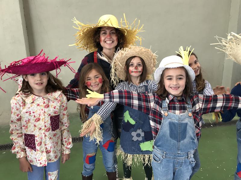 Infantil y primaria celebran un desfile de carnaval ambientado en el proyecto de sostenibilidad y ecología