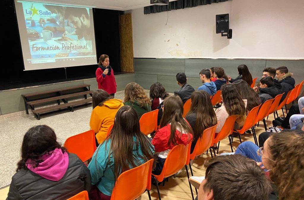 Los alumnos de 4º de ESO reciben una charla sobre Ciclos Formativos