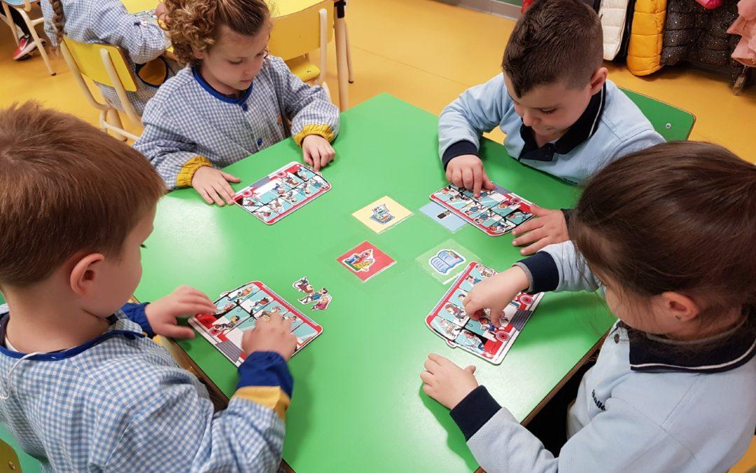 En infantil utilizan las matemáticas manipulativas para desarrollar el aprendizaje de esta materia