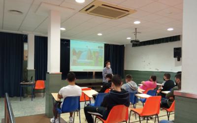 Los alumnos de Ciclos Formativos conocen el proyecto «Gente Pequeña»